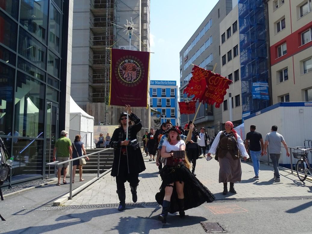 Prozession laute Dampfnudel (© Daniela Wakonigg)
